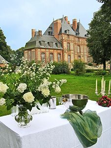 discover the castle of Fleury-la-Forêt: reception, wedding, and guest houses